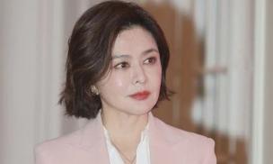 Nhan sắc ở tuổi 57 của 'đệ nhất mỹ nhân Hong Kong' Quan Chi Lâm: Làn da căng mịn, nét đẹp bất chấp thời gian