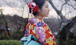 Tại sao người Nhật thích mặc kimono? Bởi vì có một bí mật, đàn ông biết rằng phụ nữ nhút nhát!