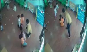 Bố xông vào giật ngược tóc, tát túi bụi bé gái 2 tuổi vì tranh giành đồ chơi với con mình ở trường mầm non