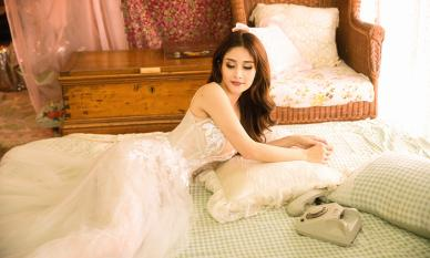 'Vợ hai của cậu Ba Khải Duy' - Thảo Trang khoe vòng một 'ngồn ngồn' trong bộ ảnh mới
