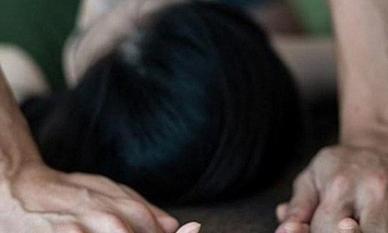 Trai trẻ ra đầu thú vì rủ bạn gái nhí quan hệ tình dục 4 lần
