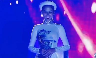 Á hậu Hoàng Hạnh 'phá nát' Tàu anh qua núi tại Miss Earth 2019