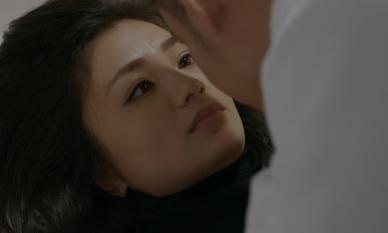 Hoa hồng trên ngực trái: Hậu ly hôn, San lên giường với phi công trẻ