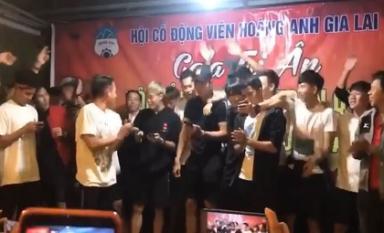 Văn Toàn, Hồng Duy quẩy tưng bừng bản hit 'Như ngày hôm qua' của Sơn Tùng để tri ân người hâm mộ