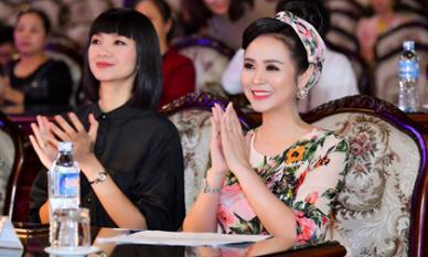 Nữ hoàng hoa hồng Bùi Thanh Hương rạng rỡ làm giám khảo cuộc thi 'Người đẹp xứ Mường'