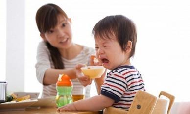 Đã tim ra nguyên nhân mẹ Việt chăm hoài, chăm mãi con vẫn biếng ăn, thấp còi