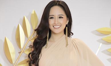 Hoa hậu Mai Phương Thuý thanh lịch, kín đáo nhưng vẫn vô cùng cuốn hút