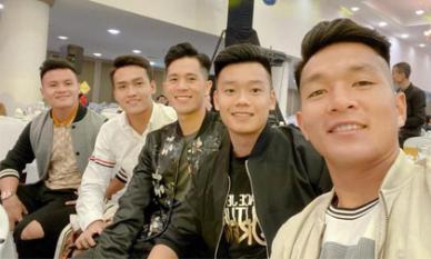 Dàn cầu thủ của đội tuyển Việt Nam những ngày cuối năm: Người vi vu với bạn gái, kẻ gấp gáp về quê đón Tết