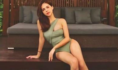 Phanh Lee lần đầu đăng ảnh diện áo tắm sau hôn lễ, tay đã chắn ngang eo vẫn bị chê: 'Béo thế'