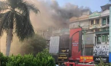 Cháy quán karaoke trên đường Hoàng Quốc Việt - Hà Nội