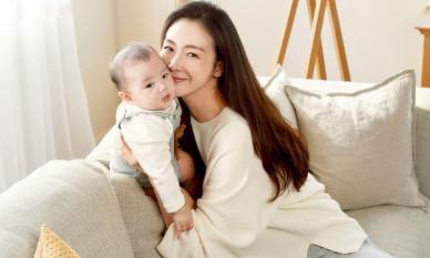 Mỹ nhân 'Nấc thang lên thiên đường' Choi Ji Woo lộ diện sau 5 tháng sinh con, nhan sắc không phải dạng vừa!