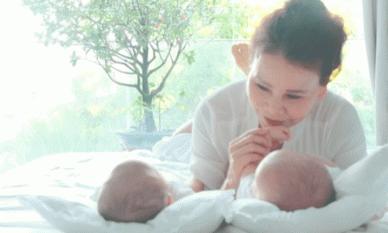 Mẹ Hà Hồ khoe góc ảnh cực yêu của cặp song sinh