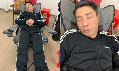 Hé lộ hậu trường Táo Quân, hình ảnh NSND Công Lý lộ rõ vẻ ngoài mệt mỏi sau 15 tiếng 'chầu' liên tục