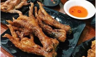 Ăn hết 6 cái chân gà, cô gái bị bạn trai chia tay vì tham ăn, 'chỉ biết ăn cho sướng mồm'