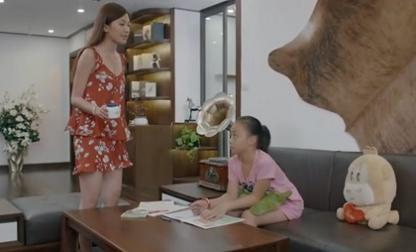 Hoa hồng trên ngực trái tập 22: Bống lại xuất chiêu 'trị' dì ghẻ Trà khiến 'tiểu tam' xanh mặt tức giận