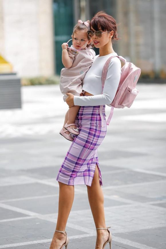 Hà Anh, siêu mẫu Hà Anh, con gái Hà Anh