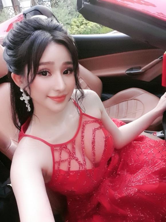 Hot girl Ivy, vợ cũ Hồ Quang Hiếu