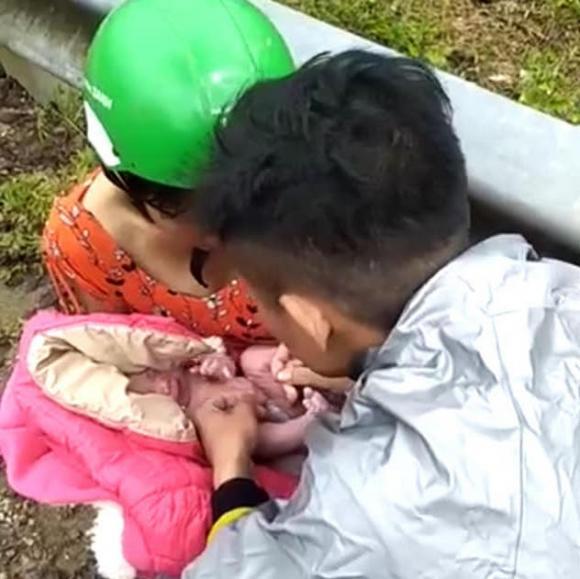 sản phụ, đỡ đẻ, Nghệ An, sinh con giữa đường