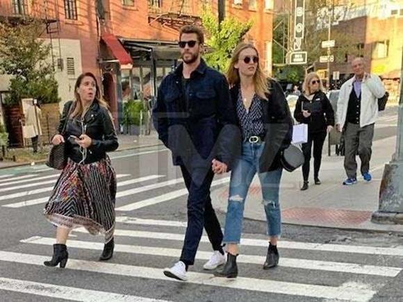 Miley Cyrus, Liam Hemsworth, Madison Brown