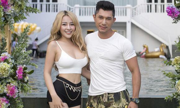 Ngân 98, tình cũ Lương Bằng Quang, Ngân 98 mua giải