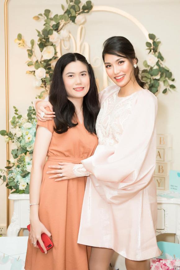 Hoa khôi Lan Khuê, siêu mẫu Lan Khuê, sao Việt