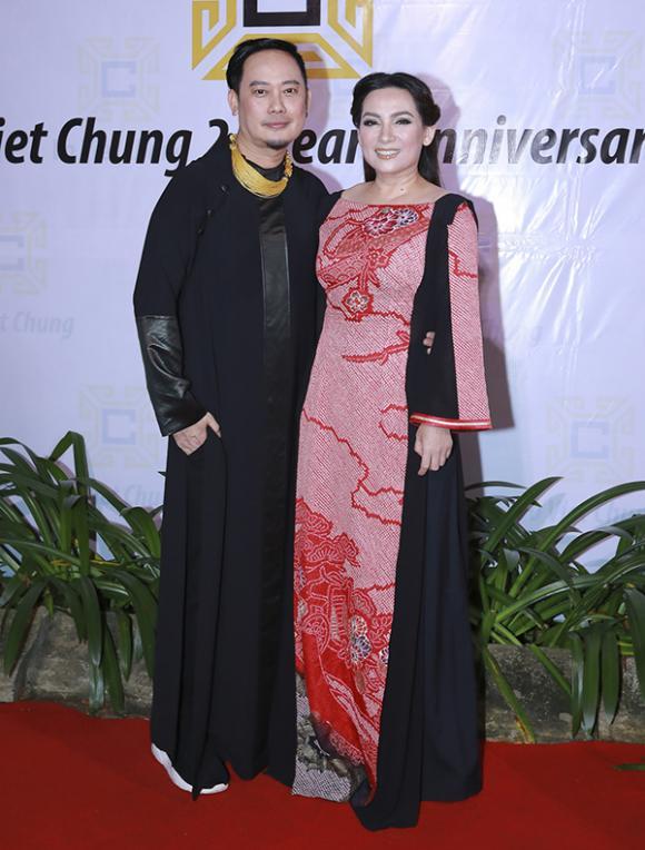 Phi Nhung, Lê Âu Ngân Anh,  Phan Như Thảo, NTK Võ Việt Chung, sao Việt