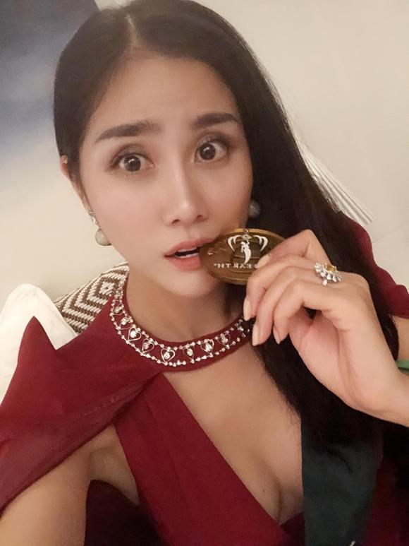 siêu mẫu Hoàng Hạnh, sao Việt, Hoa hậu Trái đất 2019