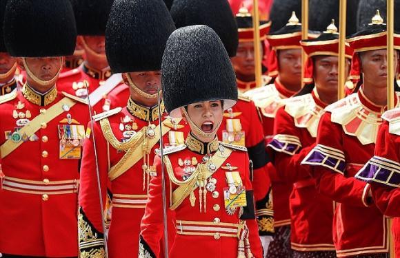 Hoàng Quý Phi Thái Lan, Vua Thái Lan, Hoàng Hậu Thái Lan