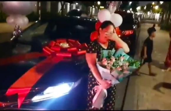 Tuấn Hưng, mẹ Tuấn Hưng, sao Việt