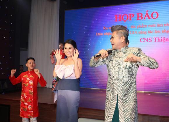 MC Thanh Bạch,Xuân Hương, sao việt