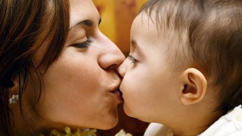 Sức khỏe trẻ em, Hôn trẻ, bệnh dạ dày, vi khuẩn HP