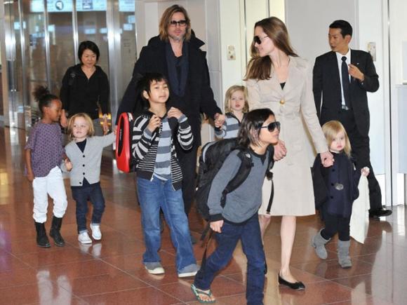 Angelina Jolie hé lộ lý do cắt bỏ tuyến vú và buồng trứng, không muốn trao quyền nuôi con cho Brad Pitt 2
