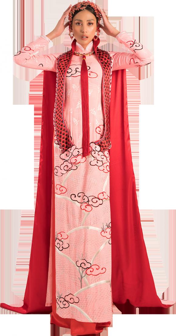 NTK Võ Việt Chung, hoa hậu Minh Tú, hoa hậu H'Hen Niê, sao Việt