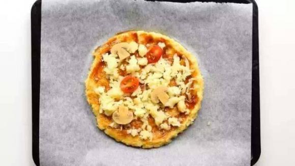Công thức làm Pizza từ súp lơ đơn giản và ngon nhất, không cần dùng tới bột làm đế bánh