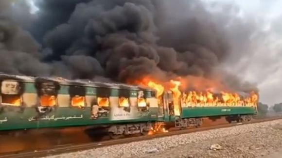 tai nạn, hoả hoạn, tàu hoả, Pakistan