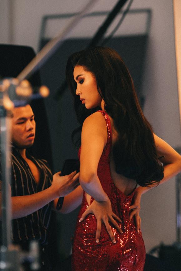 siêu mẫu Minh Tú, hoa hậu Minh Tú, sao Việt