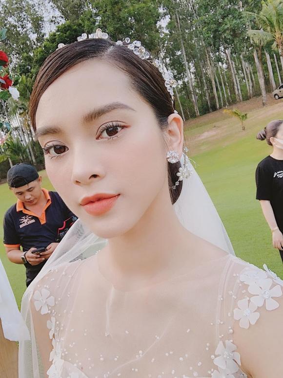 Quỳnh Lương, nữ chính tự tâm, hot girl