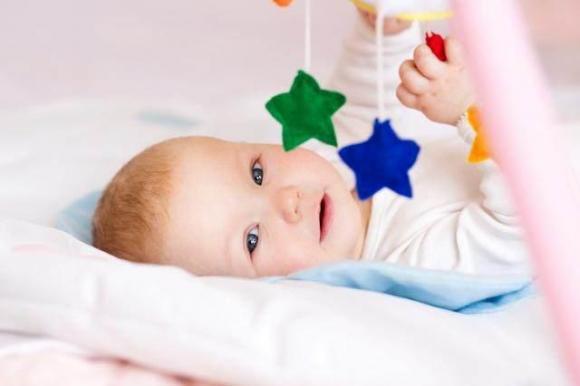 chăm sóc trẻ đúng cách, lưu ý khi chăm sóc trẻ, những điều cần biết khi chăm sóc trẻ
