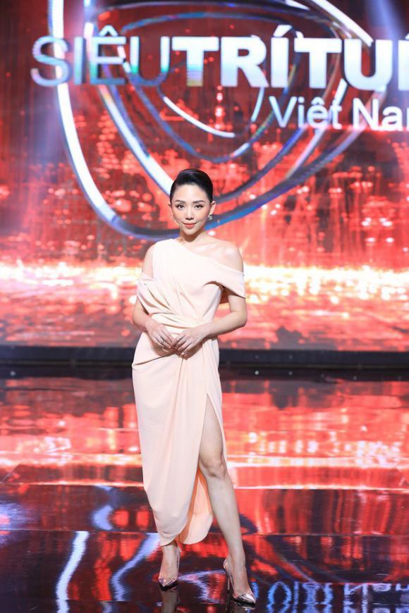 Tóc Tiên,Ca sĩ vũ cát tường, MC Trấn Thành, Mc Lại văn Sâm, sao Việt