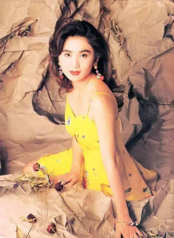 Giật mình nhan sắc ngày trẻ của Ôn Bích Hà, bảo sao vẫn mãi xứng danh là 'Đát Kỷ đẹp nhất màn ảnh Hoa ngữ'
