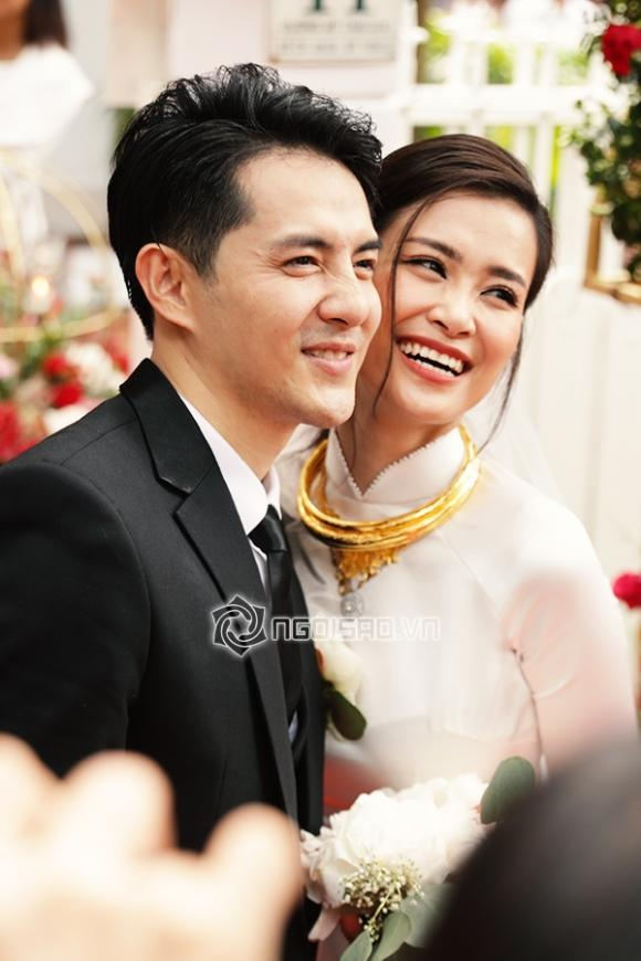 ca sĩ Đông Nhi, ca sĩ Ông Cao Thắng, sao Việt