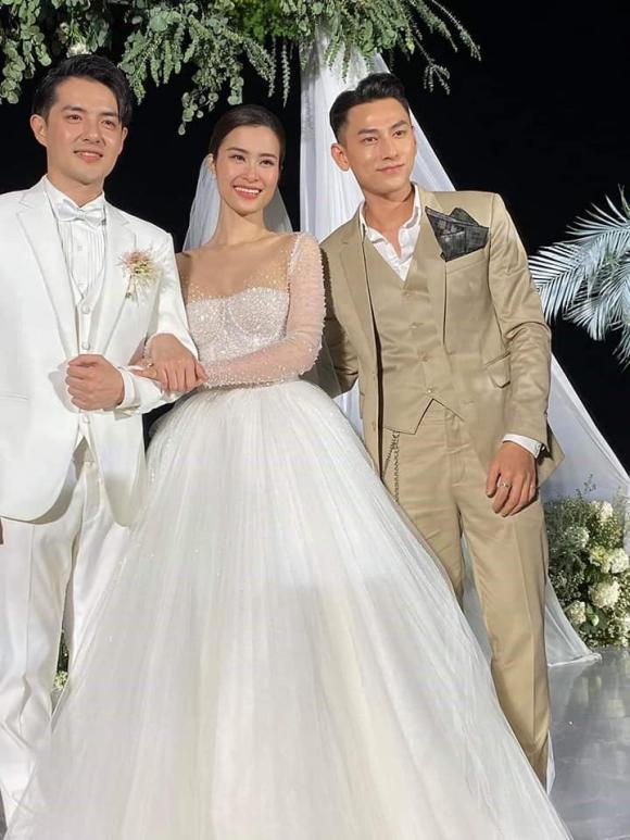 Ca sĩ Đông Nhi,ca sĩ ông cao thắng,đám cưới thế kỷ,ca si Noo Phuoc Thinh