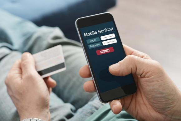 nữ sinh, chiếm đoạt tài sản, game thủ, chuyển tiền trên mobile