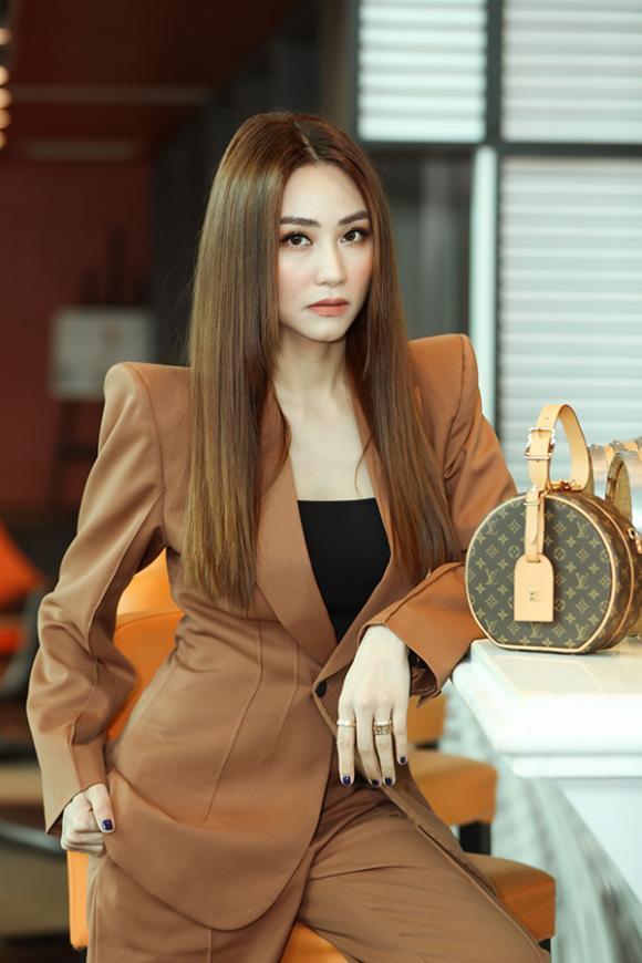 diễn viên ngân khánh, sao Việt
