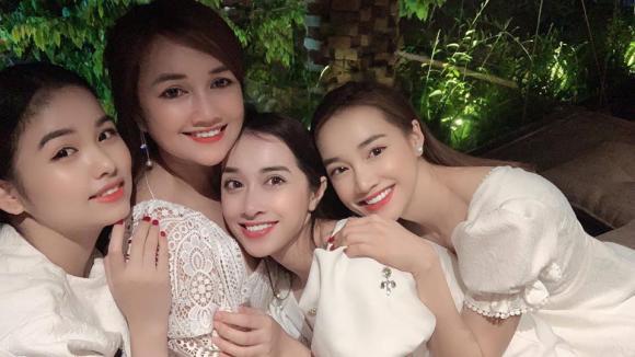 Nhã Phương, chị Nhã Phương, em Nhã Phương, sao Việt
