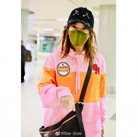 triệu vy, tay chơi, màu sắc, thời trang sân bay, sao hoa ngữ