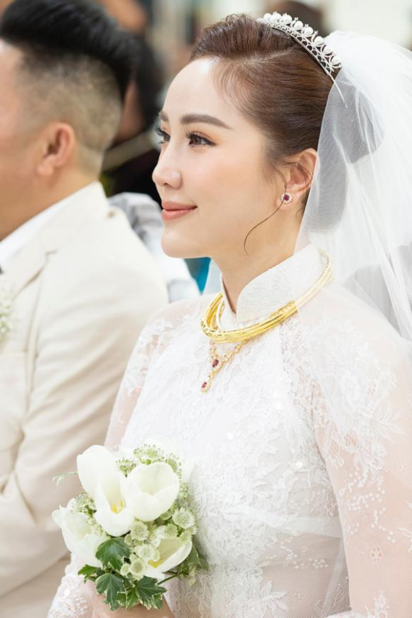 nữ ca sĩ bảo thy, đám cưới bảo thy, sao Việt