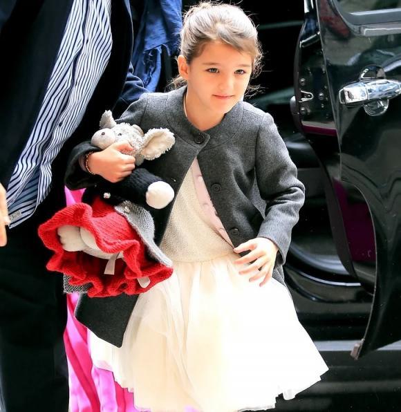 thời trang Suri,Tom Cruise - Suri, Suri được chiều, trang phục đắt đỏ của suri