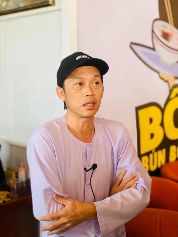 Danh hài Hoài Linh, sao Việt