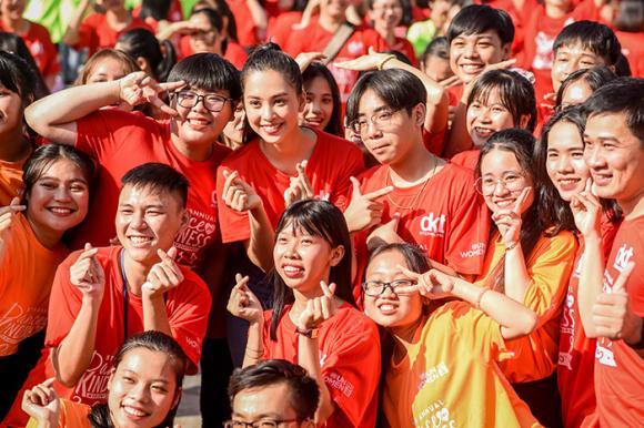 hoa hậu Tiểu Vy, hoa hậu việt nam, sao Việt